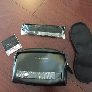 NEW WANT Les Essentials Pouch Toiletry Travel Bag
